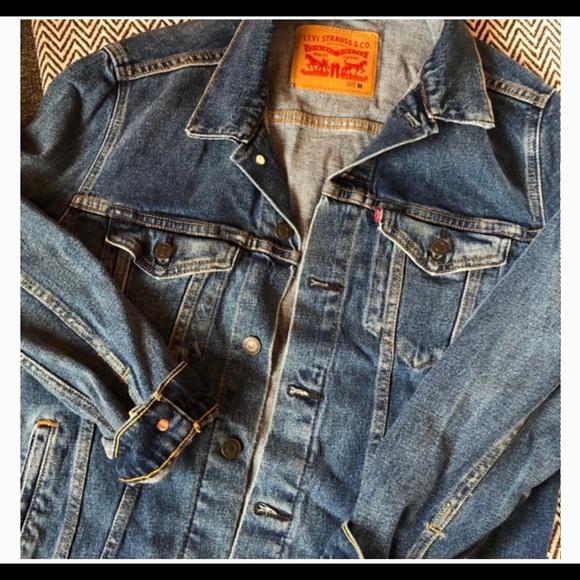 Levi's Trucker Jacket Men's size medium